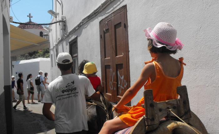 Lindos Rodi i ciuchi sono considerati i taxi della città