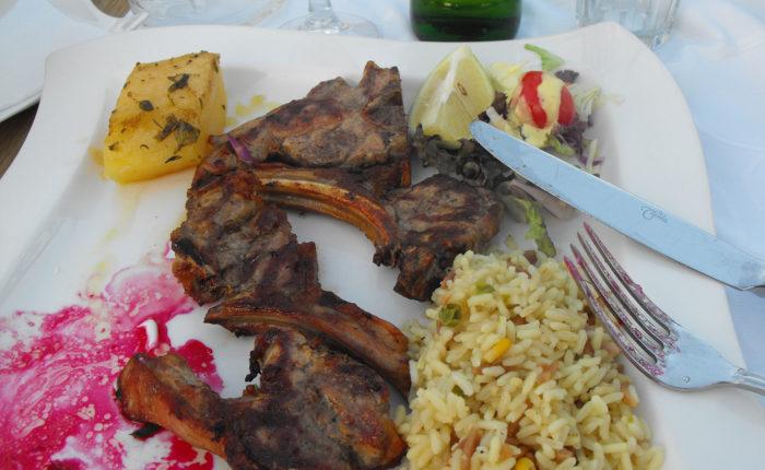 agnello con riso e verdure
