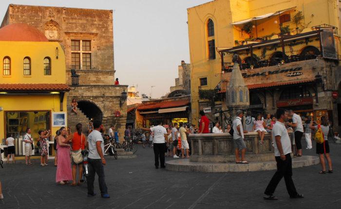rodi Città antica una delle piazze principali